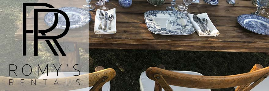 Romy's Rentals Table Setting